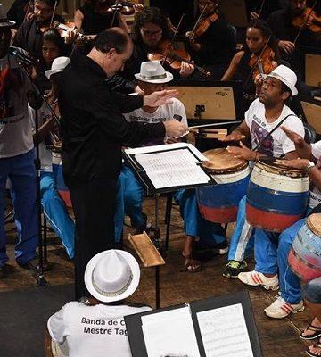Orquestra e Banda de Congo Mestre Tagibe. Foto: Fred Loureiro