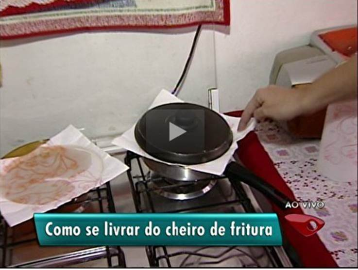 CHEIRO_GORDURA_NA_ROUPA