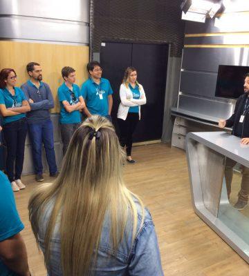Vinícius Baptista conversa com os residentes no estúdio da TV Gazeta Noroeste, em Colatina