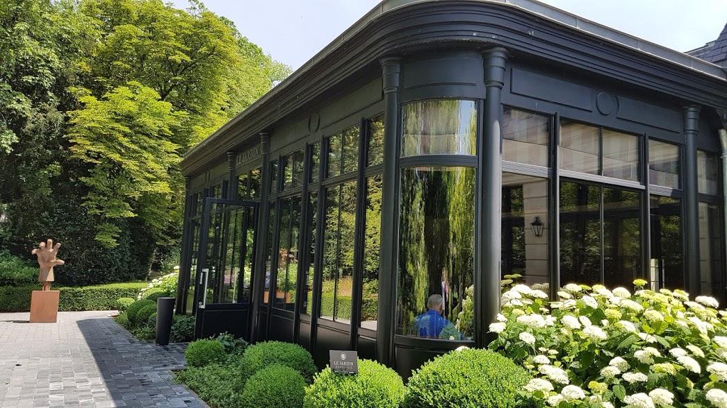 Volta ao mundo atrav s do vinho a champagne vinhos e for Brasserie le jardin