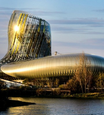 Cite-du-vin-Bordeaux-1067x712