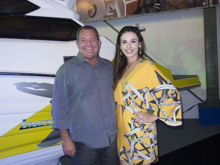 Aníbal Abreu e Flávia Gama: em noite de inauguração de de loja do mercado náutico em Vitória