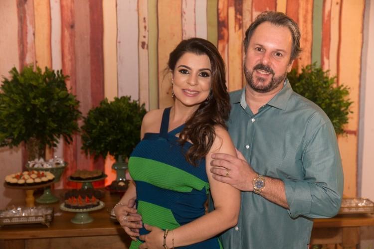 O aniversariante Carlos Alberto Sancio e sua Christiane: parabéns pra vocês!