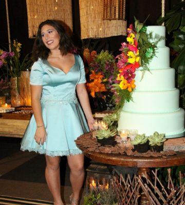 #15daSofia. Sofia Chieppe celebrou seus 15 anos com festa que reuniu a família e amigos. A debutante vestiu Ivan Aguilar. Foto: Giovanni Albino